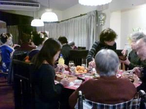 新年会でご家族様とお食事を楽しみました。